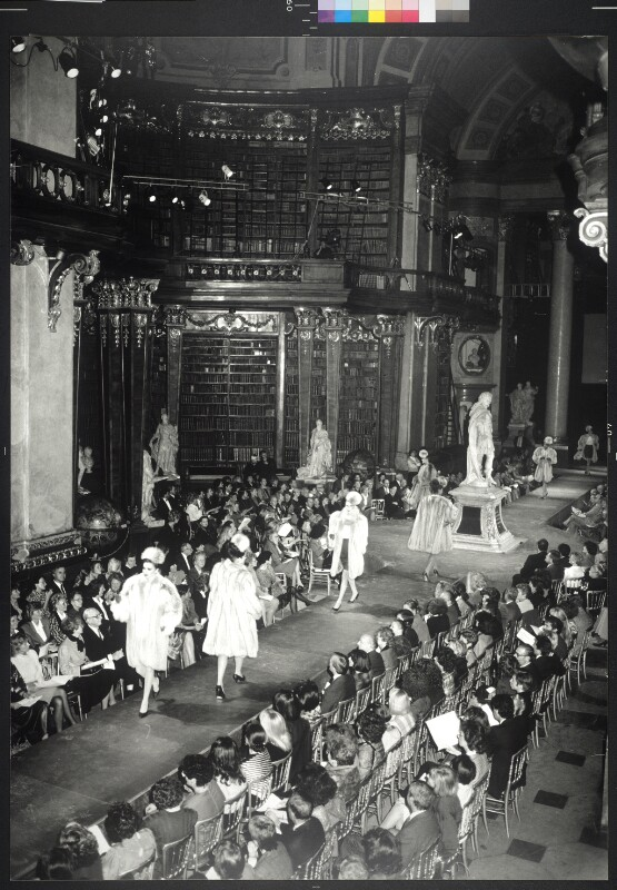 Pelz-Modeschau des Modehauses Liska im Prunksaal der Österreichischen Nationalbibliothek