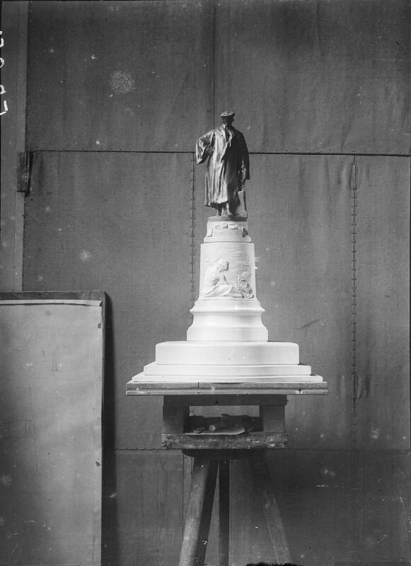 Modell des Gutenbergdenkmals in Wien