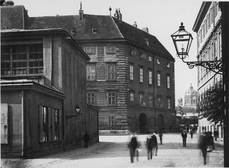 Wien I, Ballhausplatz