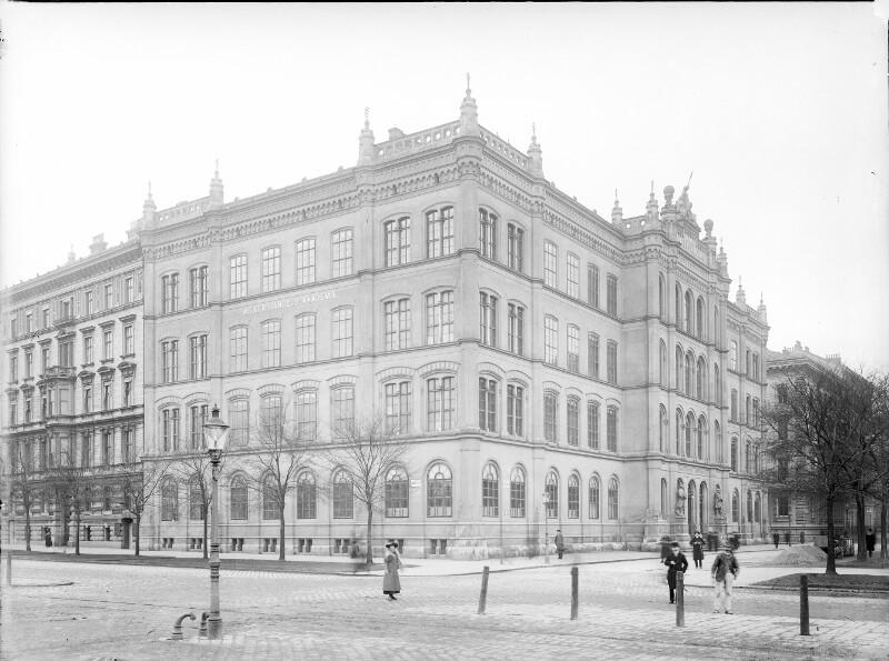 Wien 1, Akademiestraße 12
