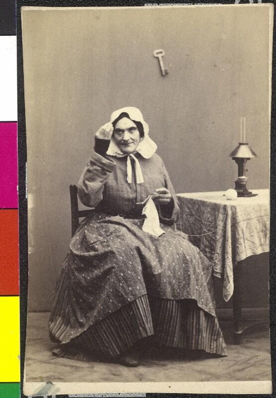 Johann Nestroy als Frau Maxl