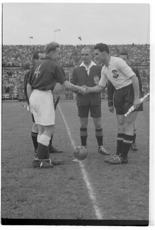 Fußball Österreich - England 2:3