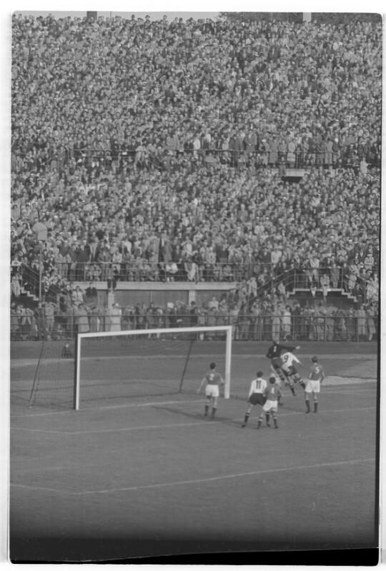 Fußball Österreich - Jugoslawien 2:2