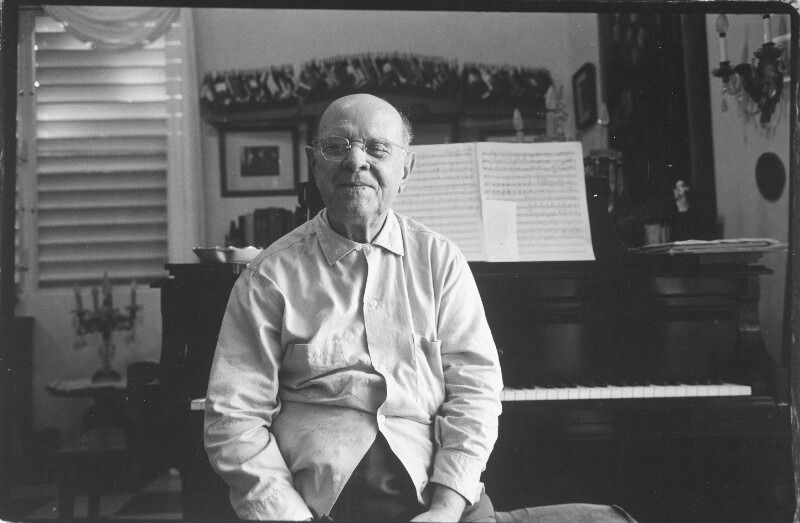 Bildnis Pablo Casals vor Klavier