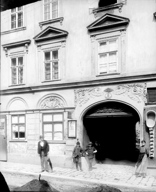 Wien 8, Strozzigasse 8