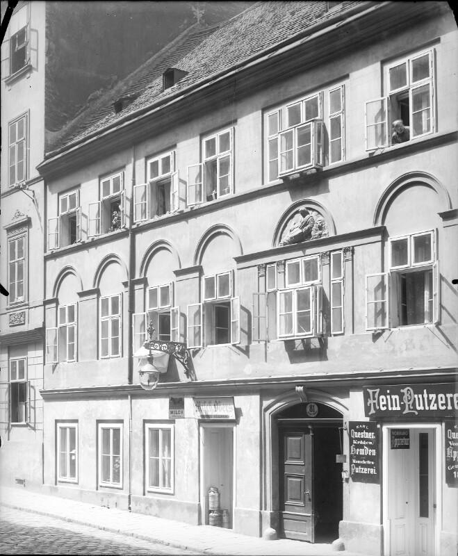 Wien 7, Zieglergasse 81