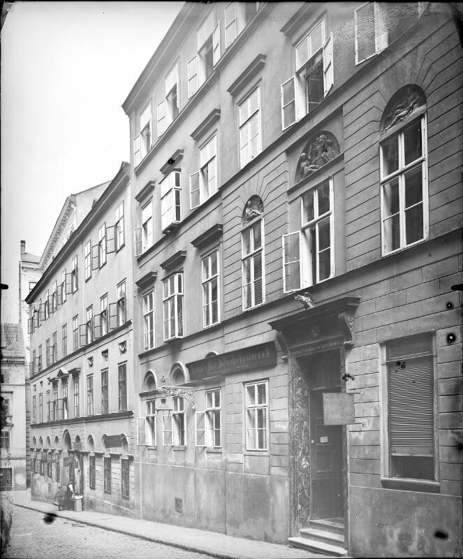 Wien 7, Kirchberggasse 24
