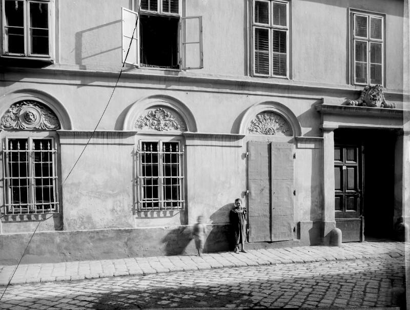 Wien 15, Pillergasse 7