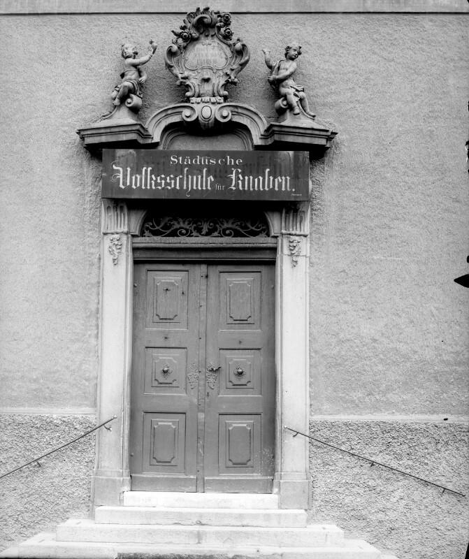 Wien 8, Piaristenkloster