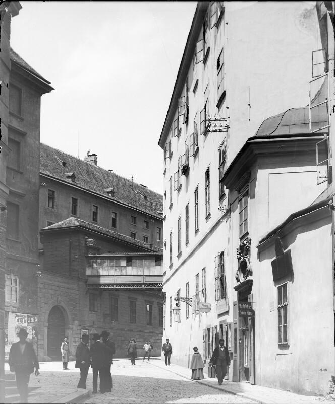 Wien 1, Brücken