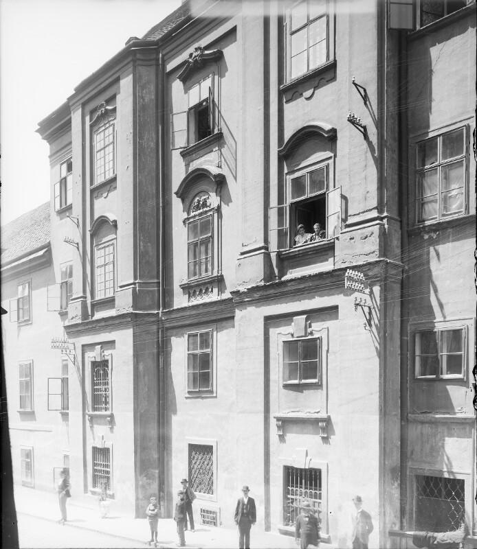 Wien 6, Gumpendorfer Kaserne