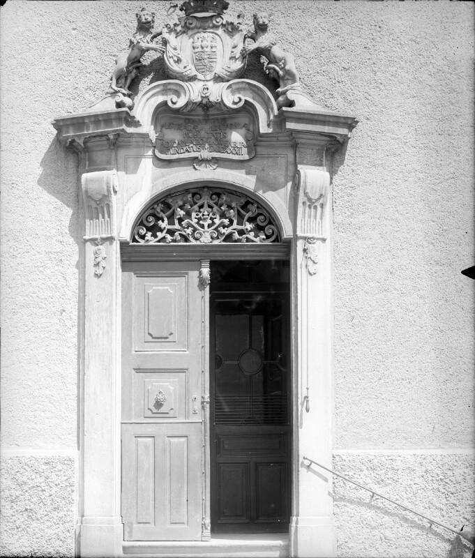 Wien 8, Löwenburg-Konvikt