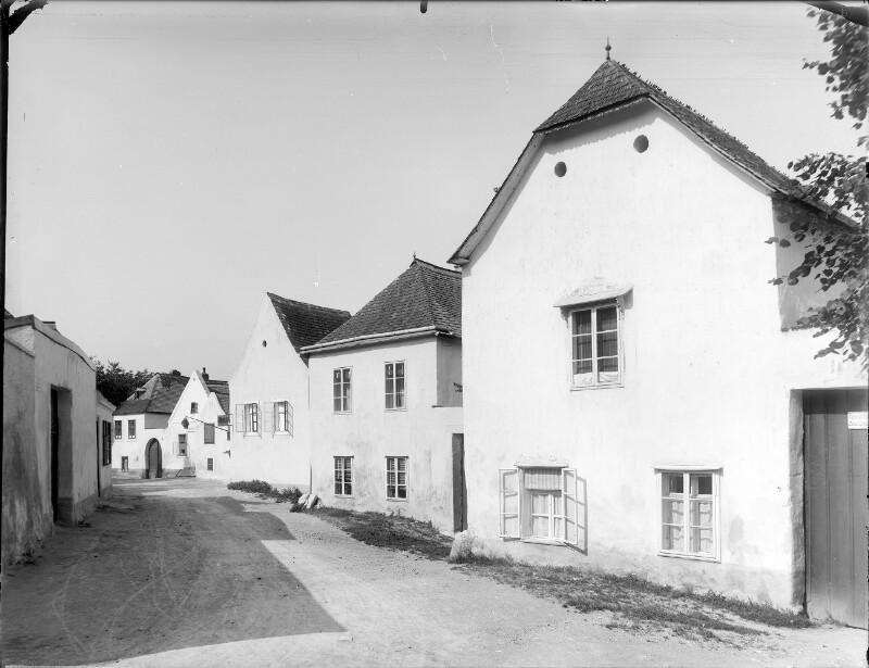 Perchtoldsdorf, Neustiftgasse 13