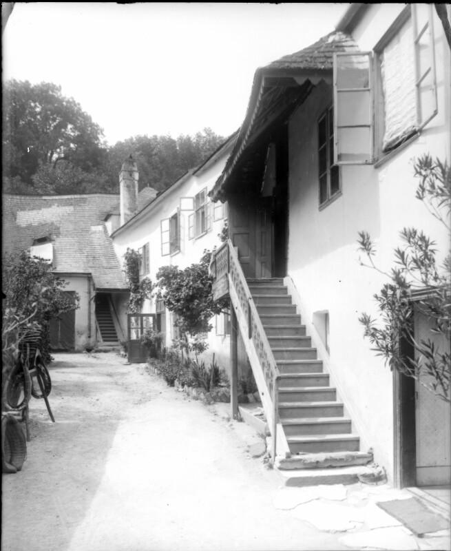 Perchtoldsdorf, Hochstraße 21-23