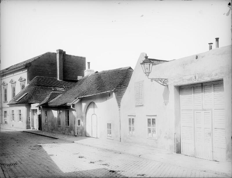 Mödling, Neusiedlerstraße 9