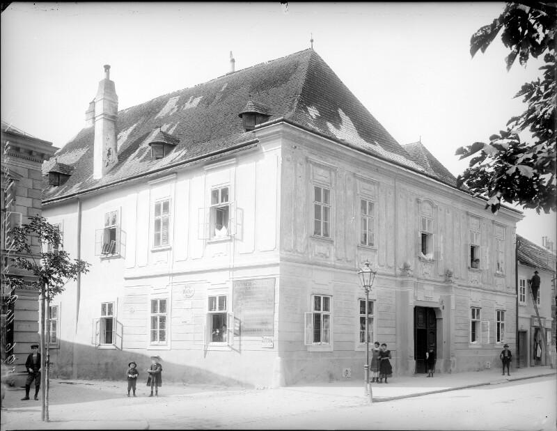 Mödling, Hauptstraße 41