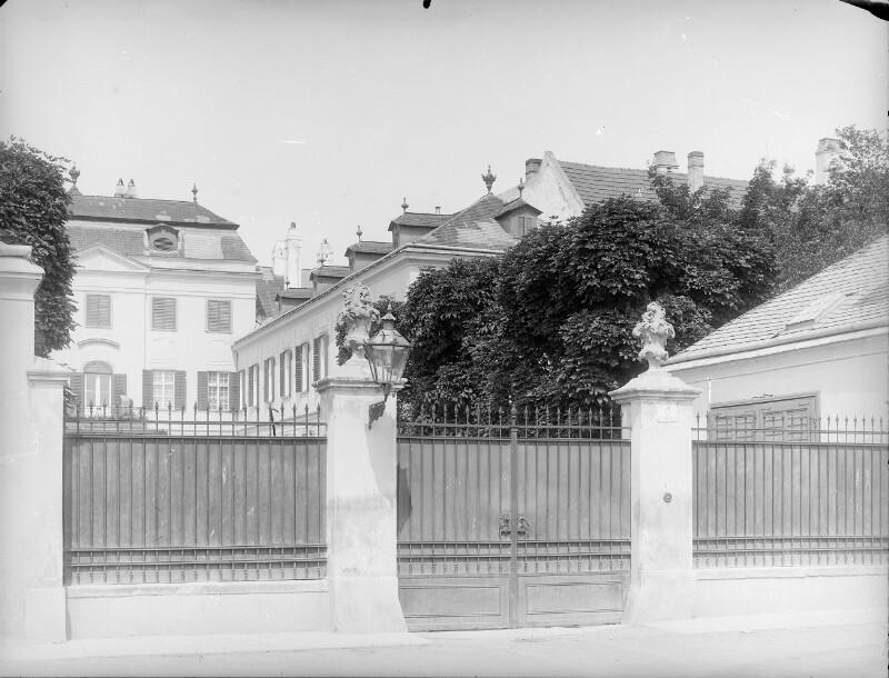 Maria Enzersdorf, Schlossgasse 6