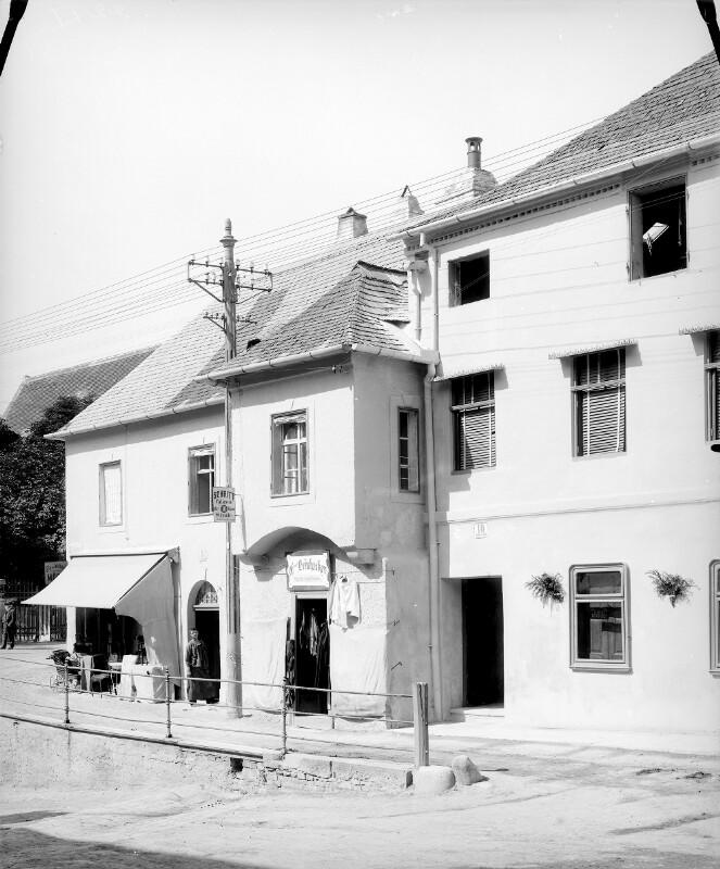Klosterneuburg, Rathausplatz 10/9