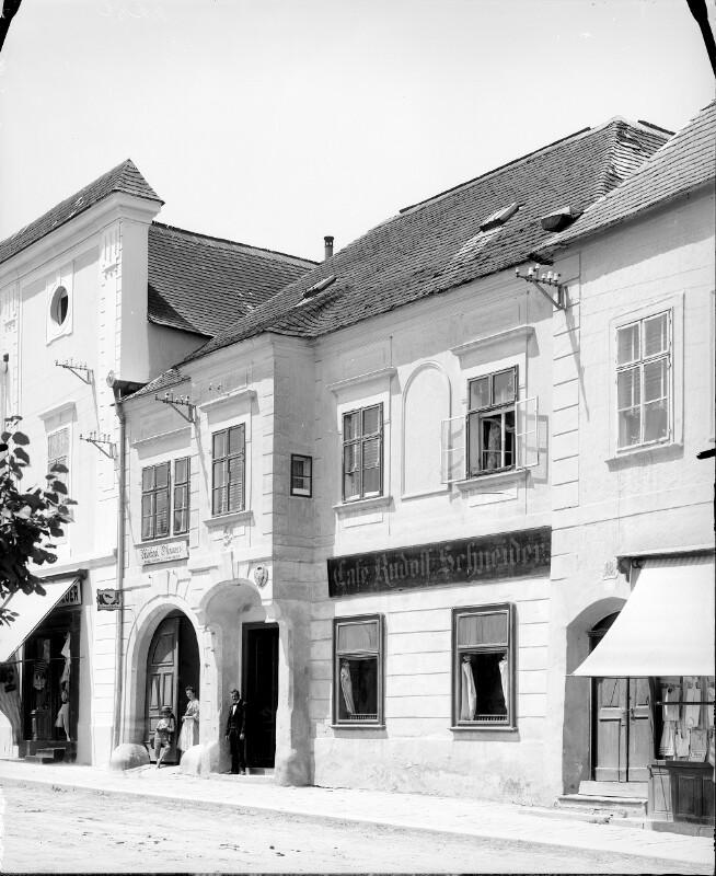 Klosterneuburg, Stadtplatz 17