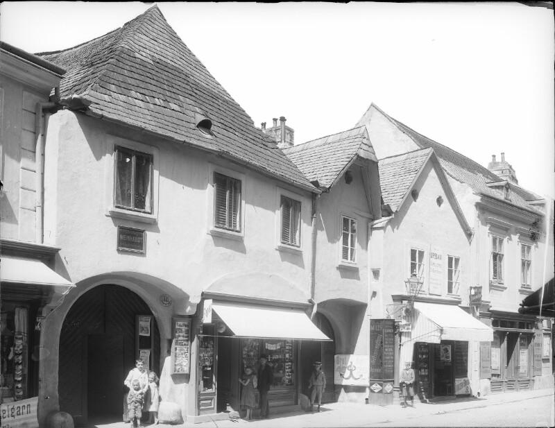 Mödling, Elisabethstraße 18-16
