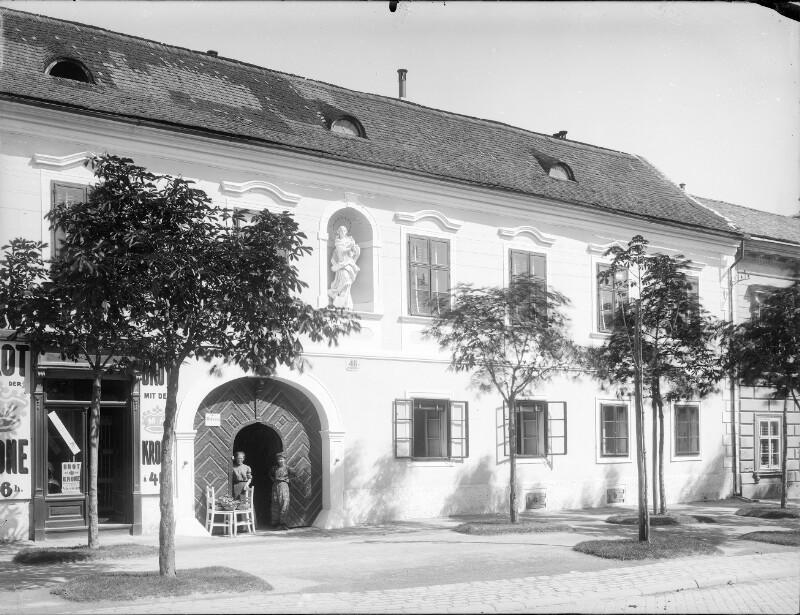 Mödling, Hauptstraße 46
