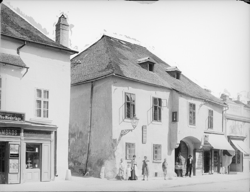 Mödling, Hauptstraße 60