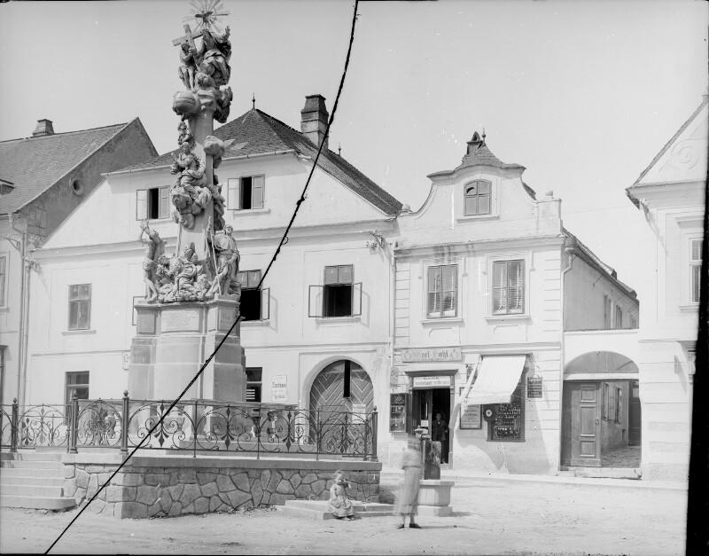 Klosterneuburg, Dreifaltigkeitssäule