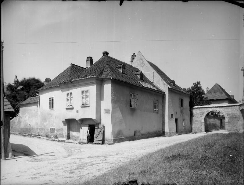 Klosterneuburg, Nonnengasse 3/Schiffergasse 2
