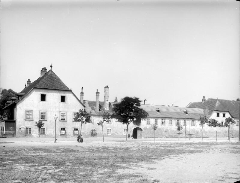 Schwechat, Sendnergasse 197