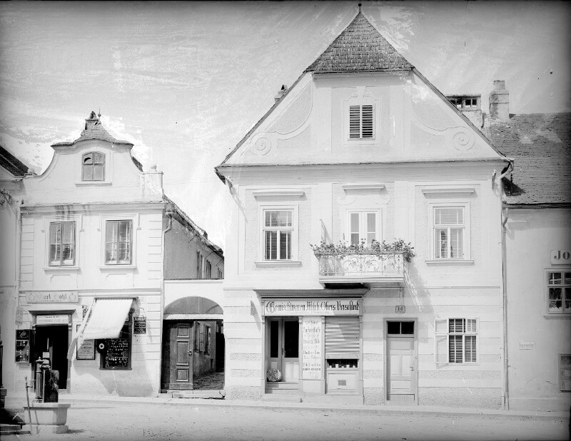 Klosterneuburg, Stadtplatz 14