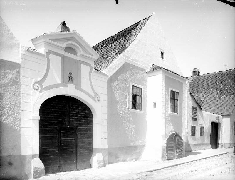 Klosterneuburg, Albrechtsstraße 33