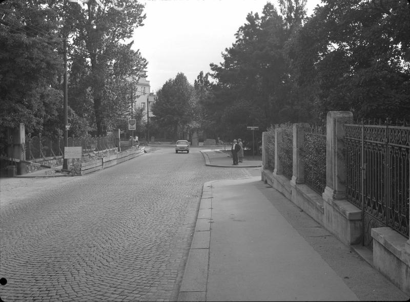 Wien 18, Max-Emanuel-Straße bei 1
