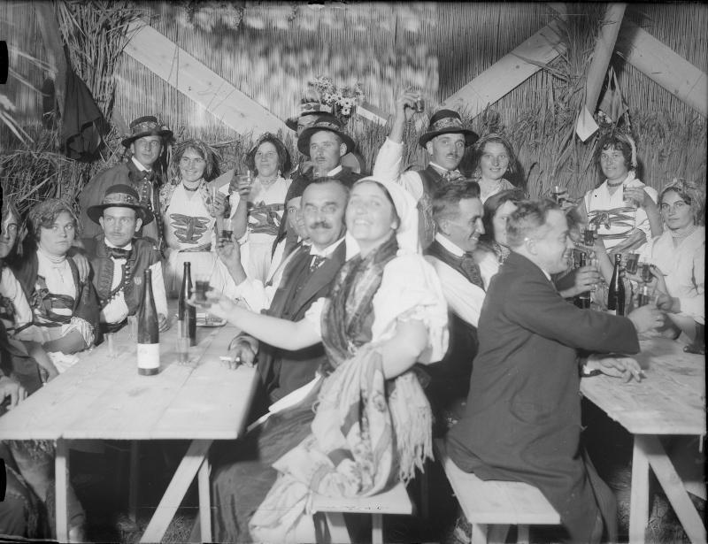 """Feiern zum Jubiläum """"10 Jahre Burgenland"""" in Eisenstadt"""