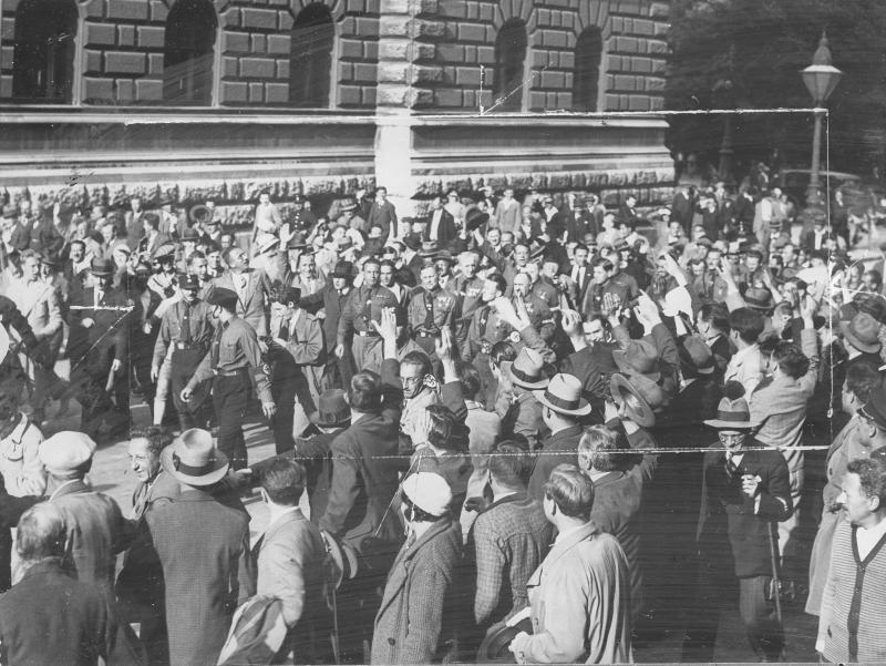 Einzug der Nationalsozialisten in das Rathaus