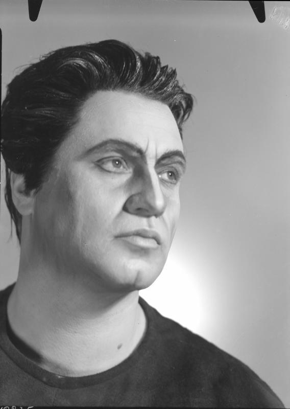 Rollenbildnis als Orest in R. Strauss' Oper Elektra an der Wiener Staatsoper (16.12.1965)©Bildarchiv Austria, ÖNB