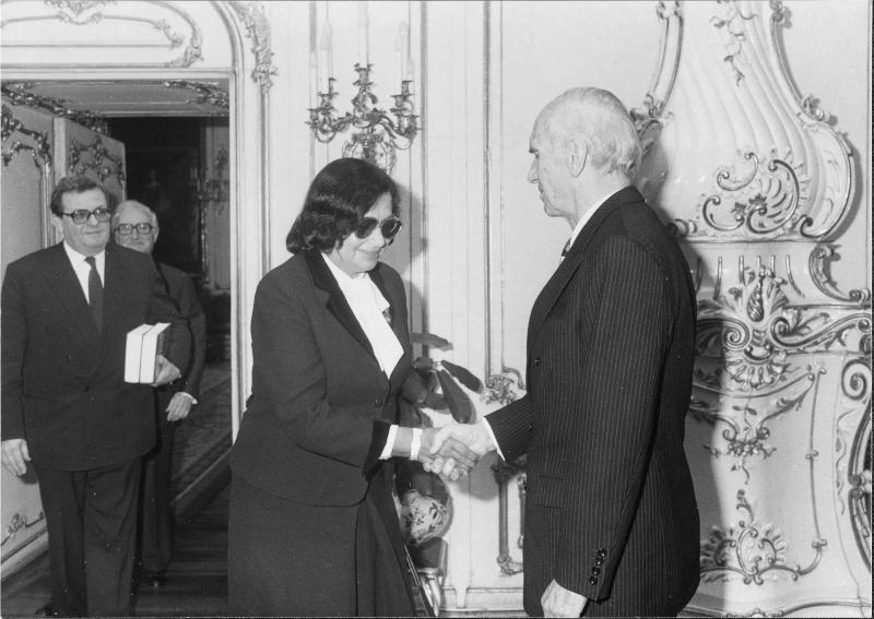 Erika Weinzierl bei Bundespräsident Kirchschläger