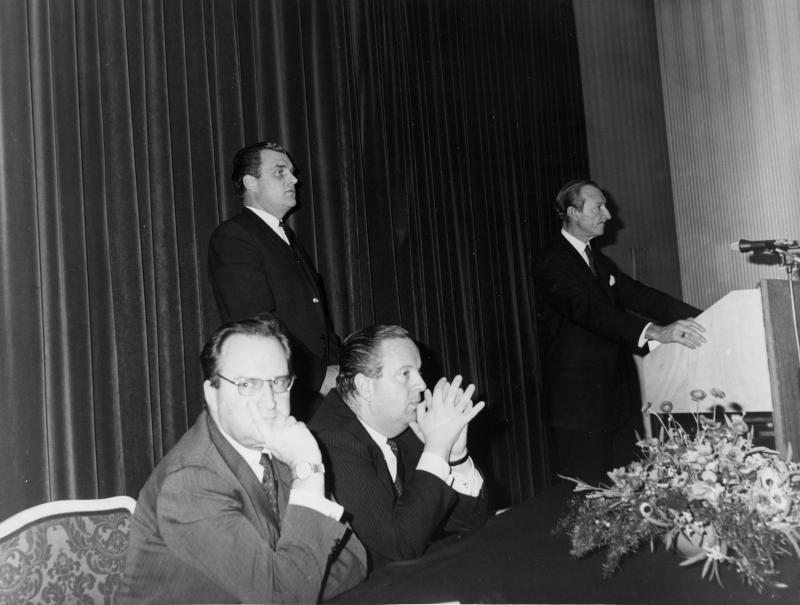 Vortrag von Kurt Waldheim im Palais Palffy