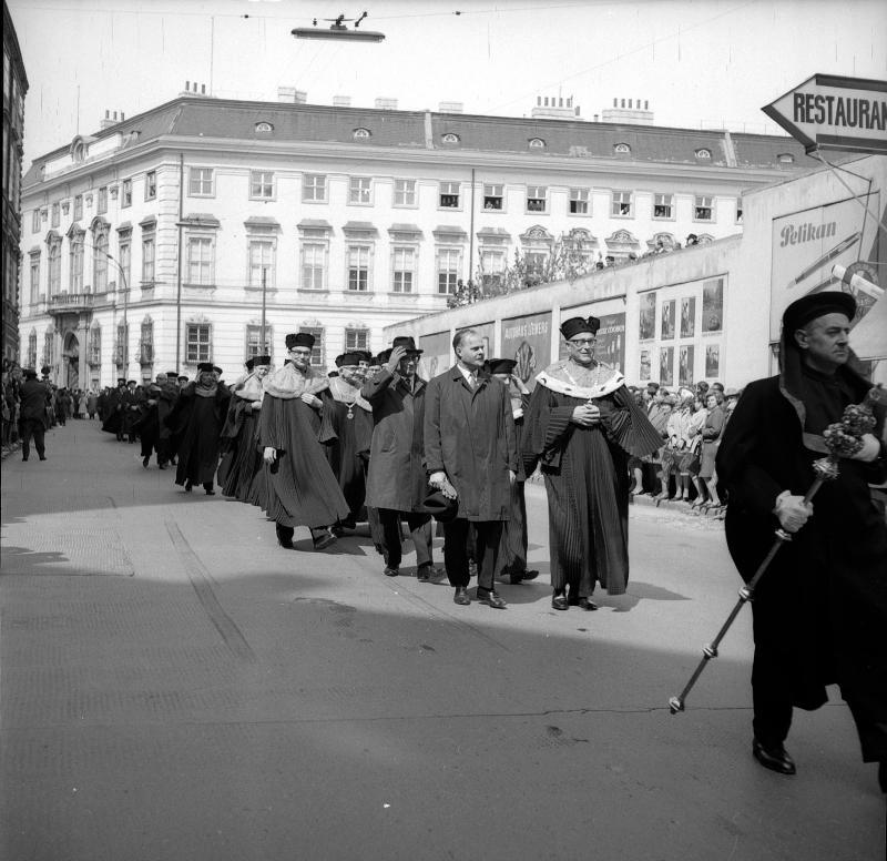 Festzug anlässlich der 600-Jahrfeier der Wiener Universität