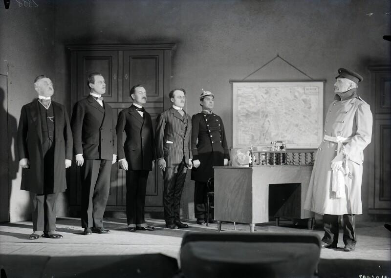 Karl Zuckmayer, 'Der Hauptmann von Köpenick. Ein Deutsches Märchen.'