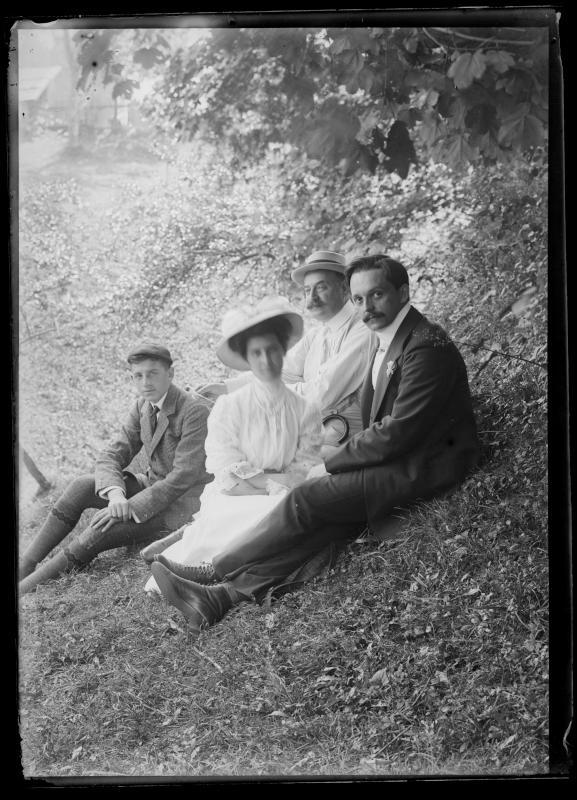 Ferdinand und Alice Schmutzer, Theodor Schnabel bei einem Ausflug
