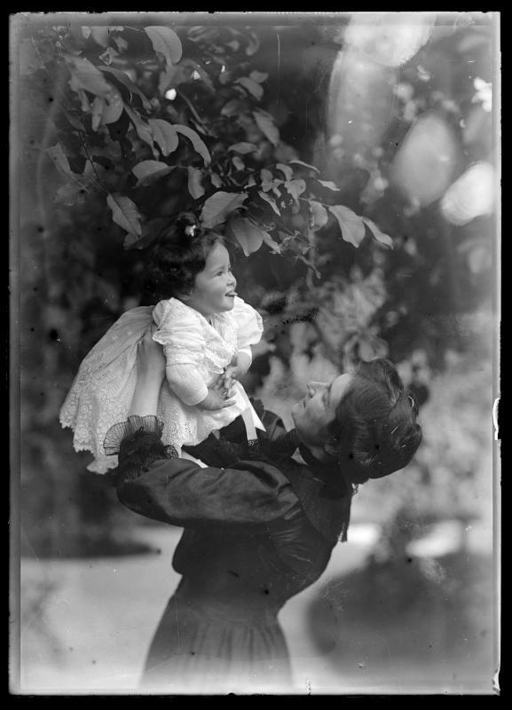 Alice Schmutzer mit ihrer Tochter Maria