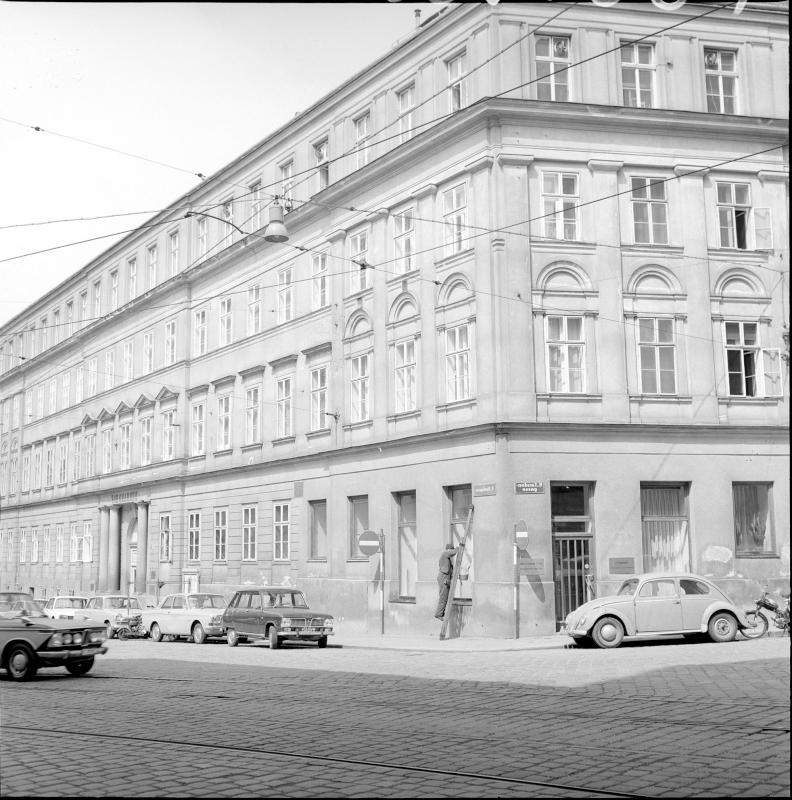 Wien 8, Skodagasse 9