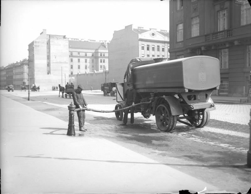 Wasserwagen der Straßenreinigung