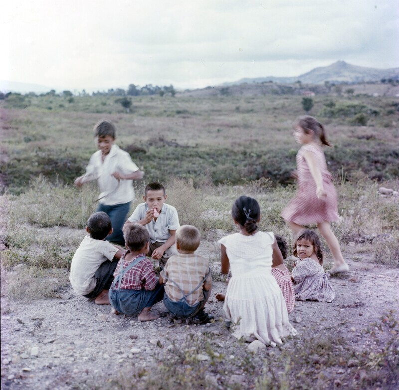 Spielende Kindergruppe, Honduras