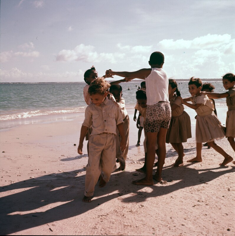 Kindergruppe am Strand, Dominikanische Republik