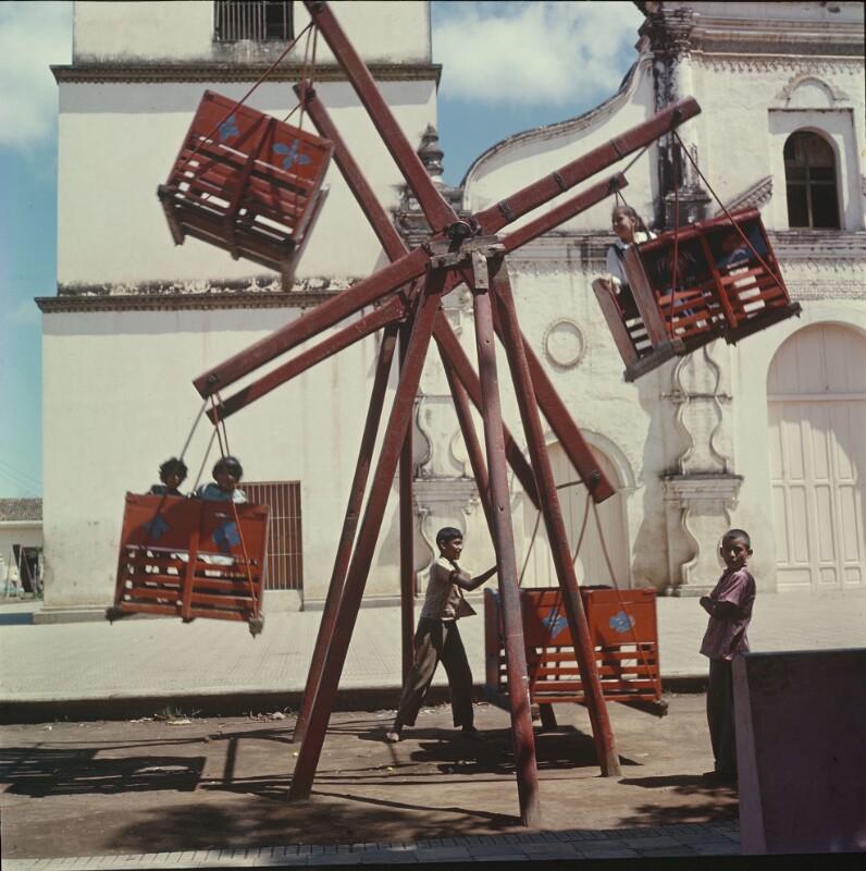 Hölzernes Riesenrad mit vier Körben, Mexiko
