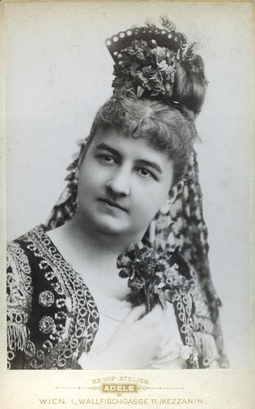 Louise v. Ehrenstein (Rollenbild als Carmen in Georges Bizets gleichnamiger Oper, 1898)©Bildarchiv Austria, ÖNB