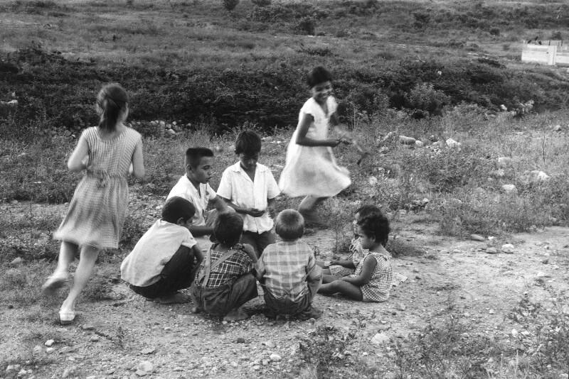 Spielende Kinder bei Tegucigalpa, Honduras