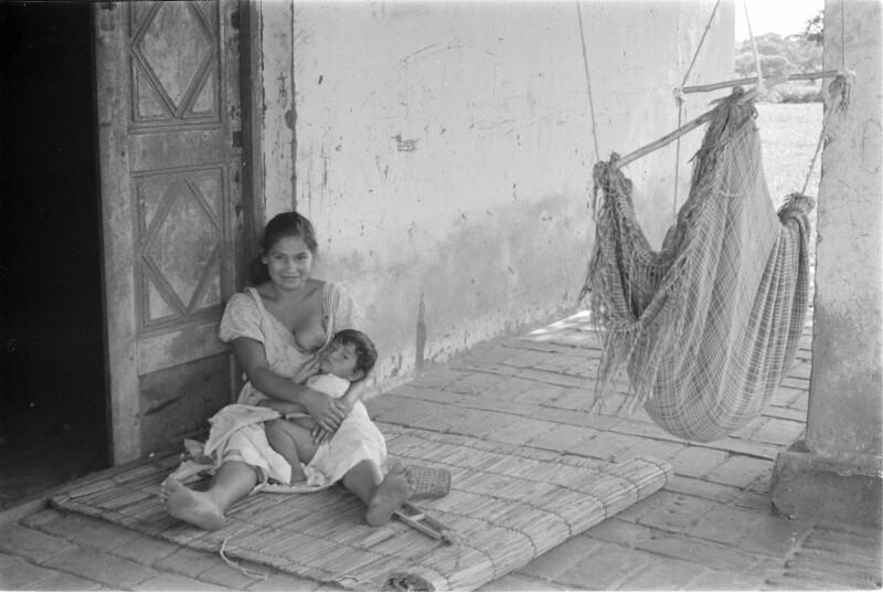 Frau und Kind eines Gefängniswärters, Bolivien