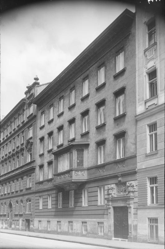 Wien 8, Schönborngasse 14